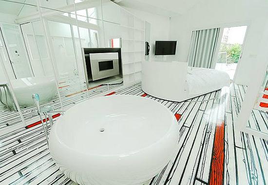 Дизайн квартир - фотографии радужного интерьера/2822077_TheRainbowHouseLondonbyABRogersDesign151 (550x380, 156Kb)