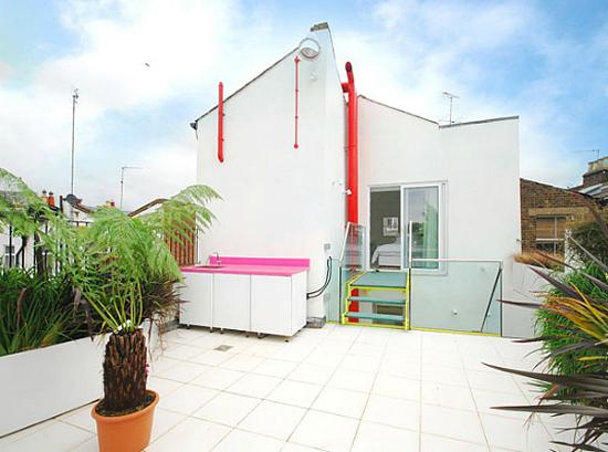 Дизайн квартир - фотографии радужного интерьера/2822077_TheRainbowHouseLondonbyABRogersDesign171 (550x409, 177Kb)