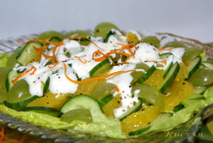 salat-iz-ogurcov-s-apelsinom-i-vinogradom-532824 (300x201, 41Kb)