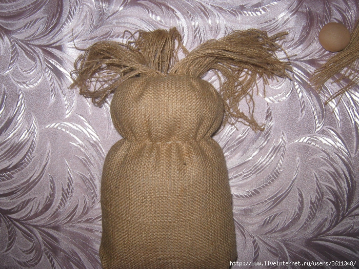Домовенок из мешковины фото