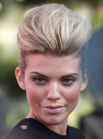 AnnaLynne-McCord-With-pompadour-hairstyle (356x480, 18Kb)