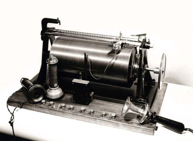 02 Телеграфон Поулсена, 1898 (627x456, 28Kb)
