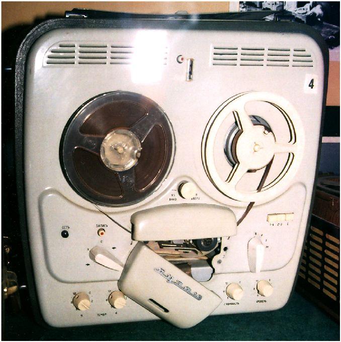 12 Магнитофон Яуза-10 й (678x680, 81Kb)