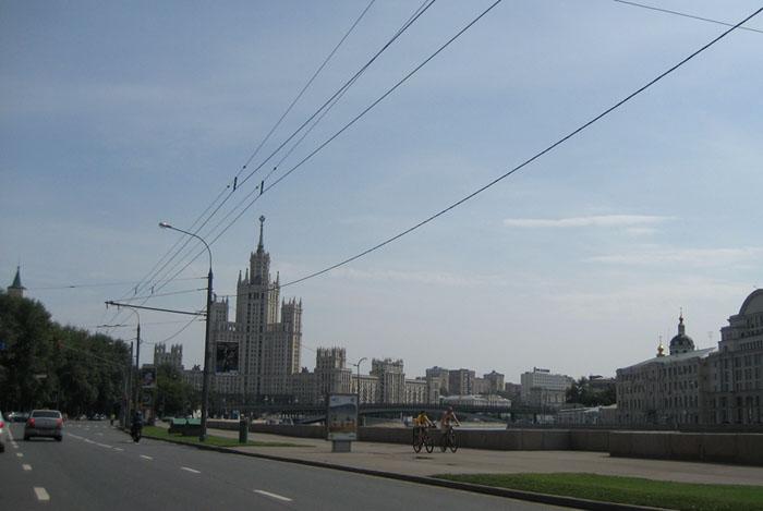 1067597_03_kremlevskaya_naberejnaya_3 (700x469, 70Kb)