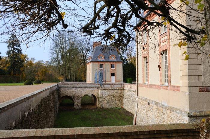 Замок Бретей / Chateau de Breteuil - в гостях у Шарля Пеpро 79816