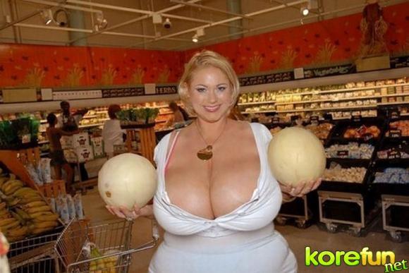 huge-female-breast03 (580x387, 127Kb)