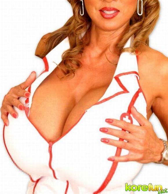 huge-female-breast06 (580x670, 155Kb)