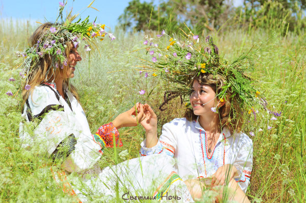 возвышенное мышление. природное земледелие. органичная одежда. обряды и праздники.  Рассмотрим лишь некоторые примеры...