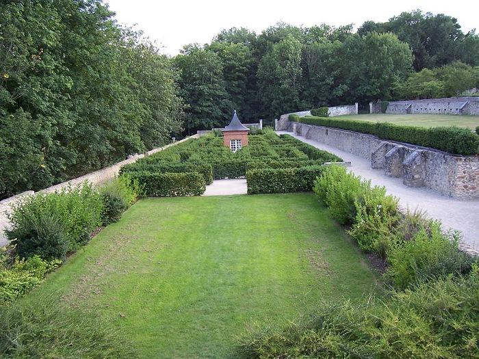 Замок Бретей / Chateau de Breteuil - в гостях у Шарля Пеpро 22636