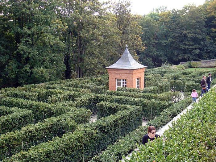 Замок Бретей / Chateau de Breteuil - в гостях у Шарля Пеpро 45938