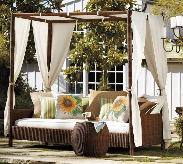 30 красивейших кроватей с балдахинами для вашей террасы 20 (600x540, 125Kb)