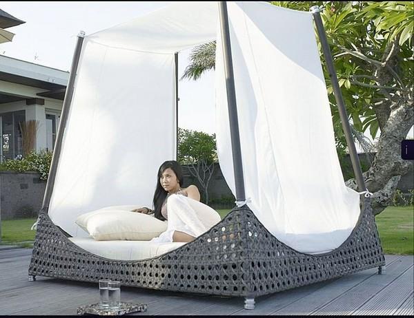 30 красивейших кроватей с балдахинами для вашей террасы 24 (600x462, 83Kb)