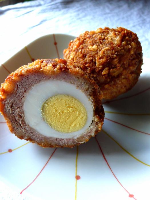 яйца в фарше/4453387_278217474_b81382f304_scotch_egg_O (525x700, 136Kb)