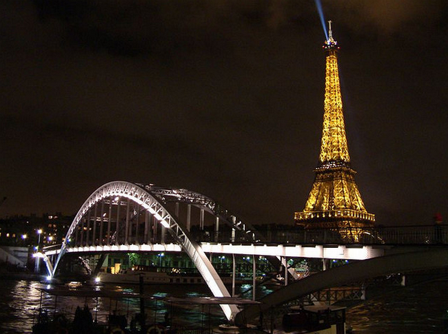 Paris  Flickr - Photo Sharing! (650x485, 587Kb)