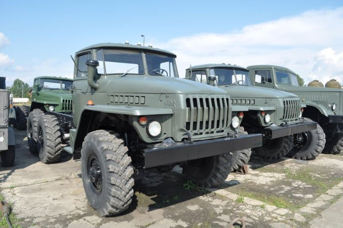 URAL_4320_DIESEL_CHASSIS_ARMY_VEHICLE (700x464, 65Kb)