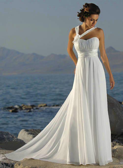 У платьев в греческом стиле есть еще два немаловажных преимущества...