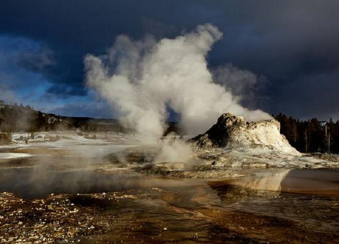 yellowstone-magma-bulging-2011_31343_600x450[1] (700x504, 44Kb)