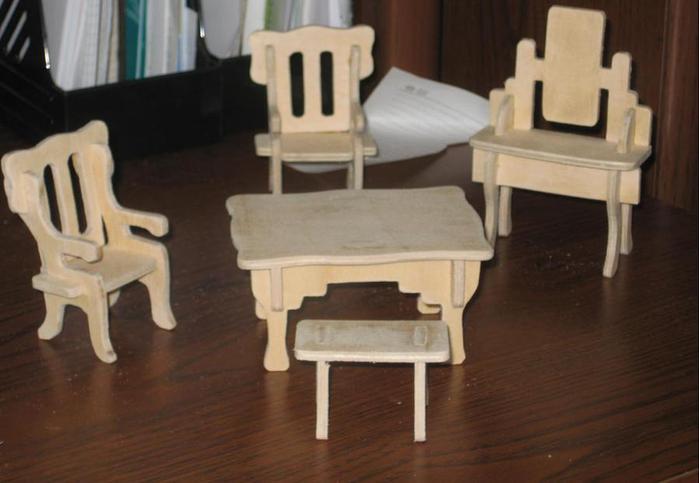 Мебель для кукол лобзиком