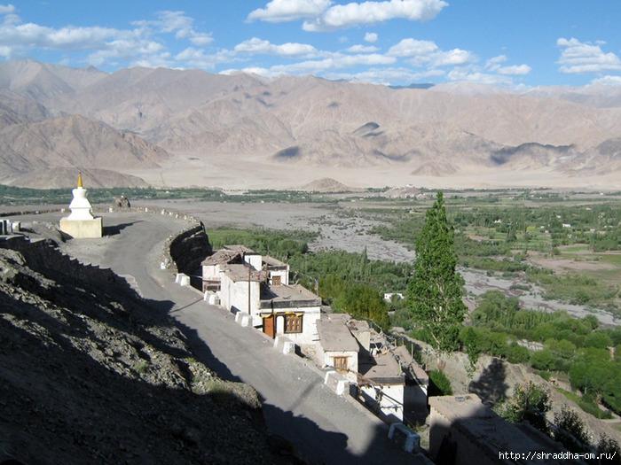 Индия, Ладакх, окрестности Леха, монастырь Matho (2) (700x525, 287Kb)