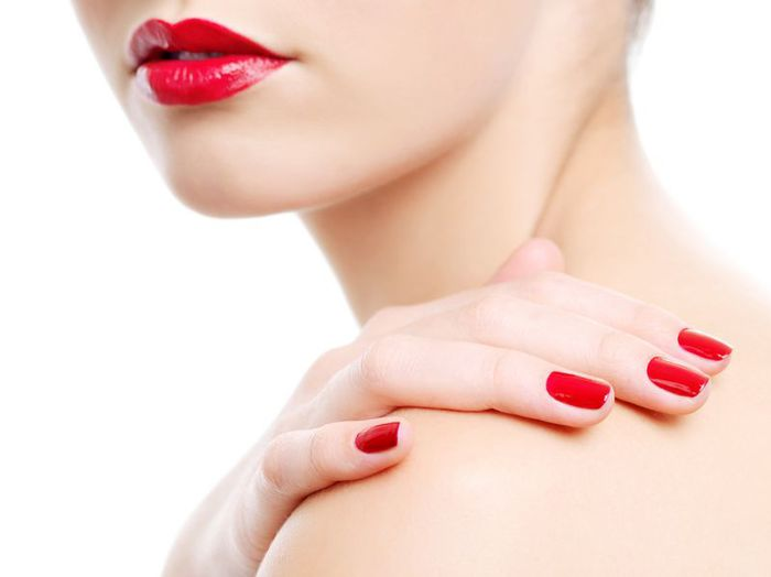 red-lips-and-red-nails_zoom (700x524, 20Kb)