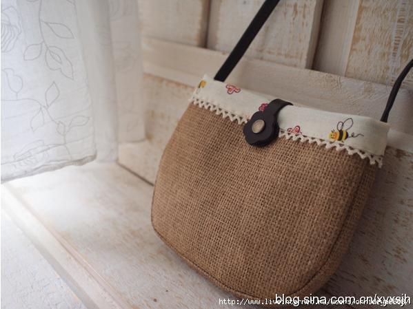 Макраме... крошечная сумочка макраме; как сделать из бисера британский флаг схема; деревья из бисера .