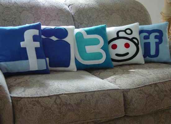 social-pillows2_cimwf_1822_Pps9f_1822 (550x400, 36Kb)