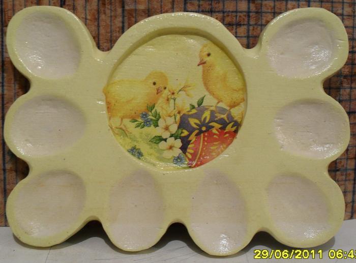 подставка для яиц. вид спеореди (700x517, 390Kb)