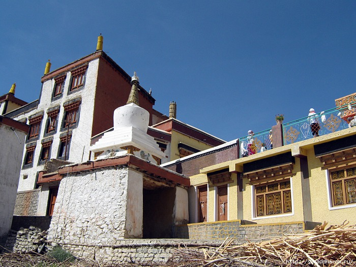 Индия, Ладакх, окрестности Леха, монастырь Likir (0) (700x525, 282Kb)