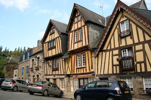 Фужер (Fougeres) — старинный город-крепость с 13 башнями в Бретани 80322