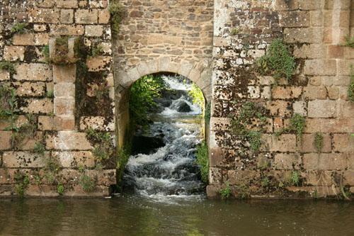 Фужер (Fougeres) — старинный город-крепость с 13 башнями в Бретани 59558