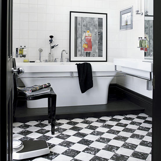 Выбирая основными в интерьере черный и белый цвета, можно не бояться...
