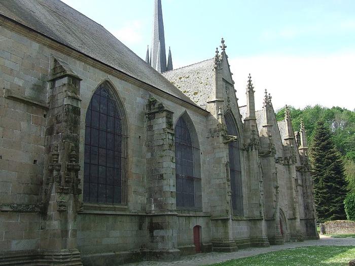 Фужер (Fougeres) — старинный город-крепость с 13 башнями в Бретани 61685