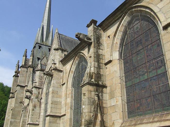 Фужер (Fougeres) — старинный город-крепость с 13 башнями в Бретани 73004