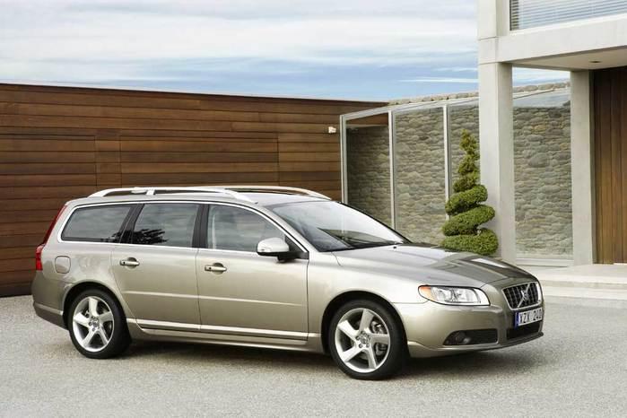 2008-Volvo-V70-15 (700x466, 45Kb)