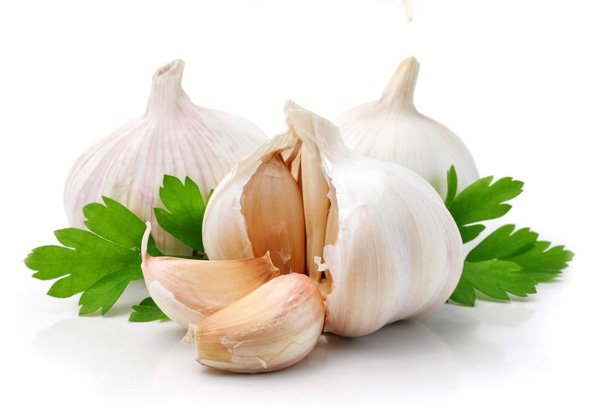 Содержание в чесноке витамина С, фитонцидных эфирных масел, протеинов, витаминов группы В, фосфора, йода, селена...