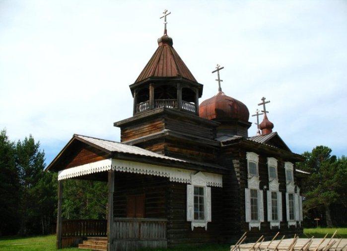 Однодневная экскурсия на Байкал начинается в столице Восточной Сибири - Иркутске.  Маршрут проходит через центральную...