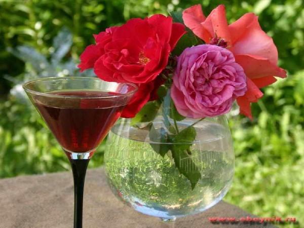 розы и вино в бок. (600x450, 73Kb)