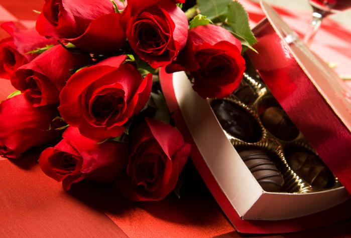 розы и конфеты (700x475, 416Kb)