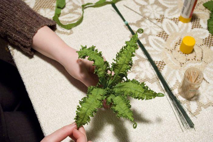 Источник. листья папоротника.  Замечательный мастер класс как создать такую красоту своими руками.