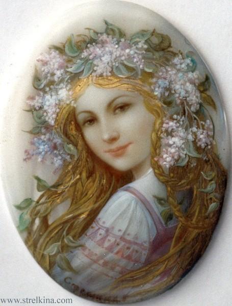 лаковая миниатюра работы художника Надежды Стрелкиной Сиреневый венок  (455x600, 71Kb)