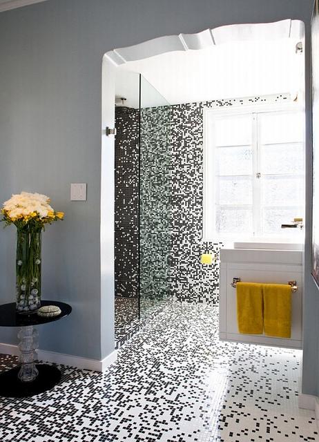 4617712168_0b21d65c62 Pixilated Bathroom Design Made with Mosaic Bathroom Tiles_M (462x640, 163Kb)