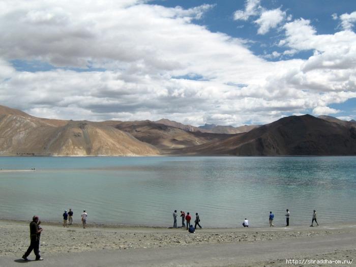 Индия, Ладакх, окрестности Леха, озеро Пангонг (2) (700x525, 214Kb)