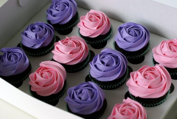 4494366_rozovyeifioletovyecupcakes (670x450, 70Kb)