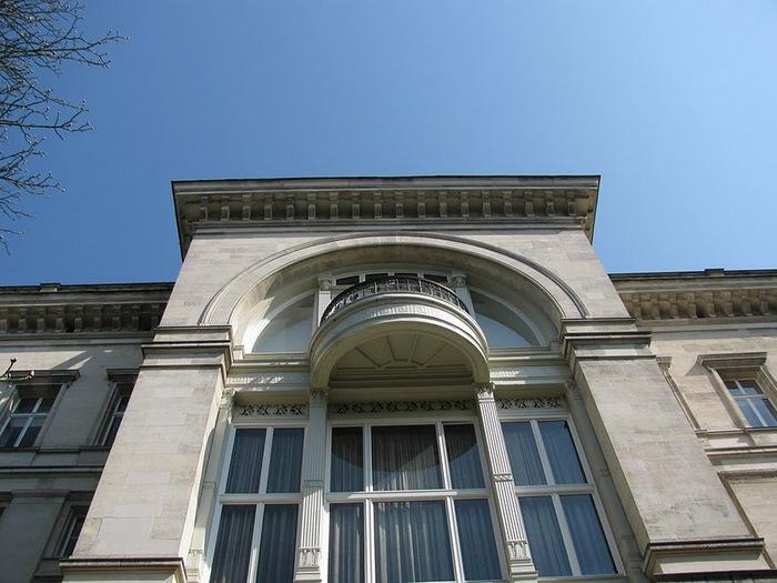 Виллa Хюгель (Виллa на холме) - родовое имение знаменитых Круппов. 72176