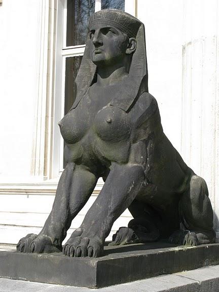 Виллa Хюгель (Виллa на холме) - родовое имение знаменитых Круппов. 86163
