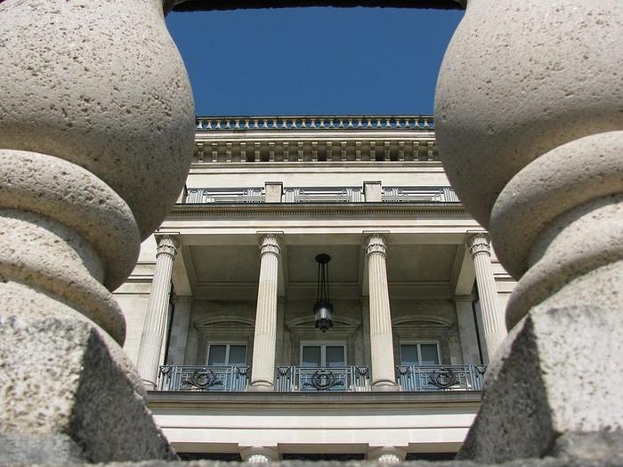 Виллa Хюгель (Виллa на холме) - родовое имение знаменитых Круппов. 63036