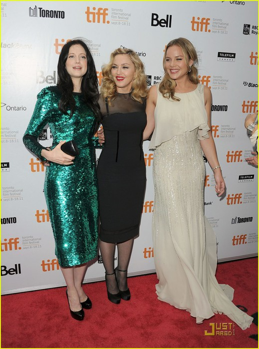 madonna-abbie-cornish-premiere-we-tiff-08 (519x700, 106Kb)