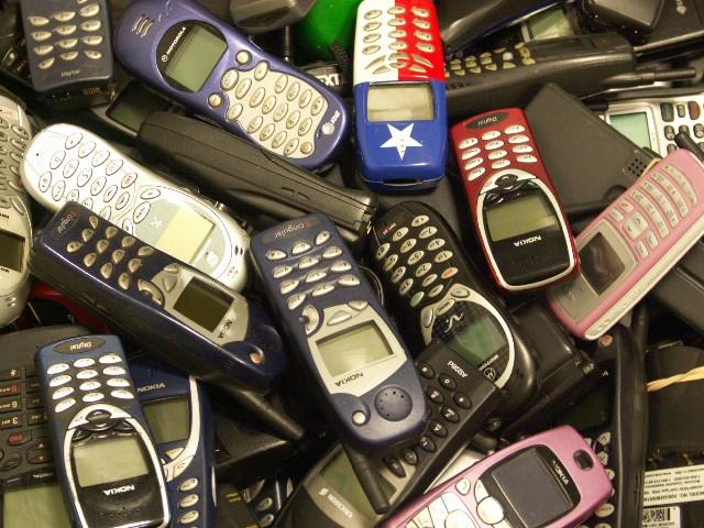 старые мобильники/3185107_mobilki (640x480, 122Kb)