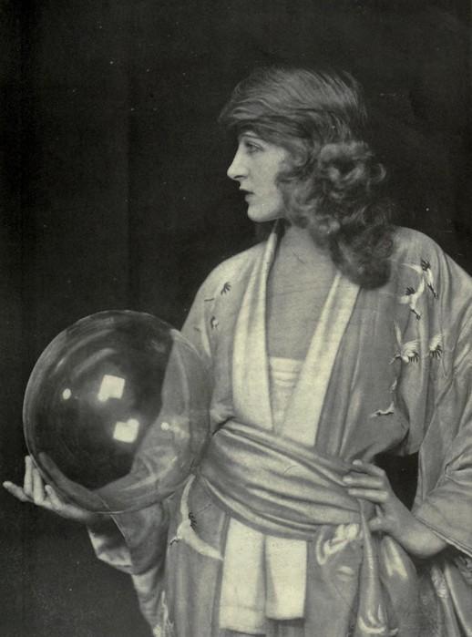 Ziegfeld girl Martha Mansfield. (518x700, 75Kb)