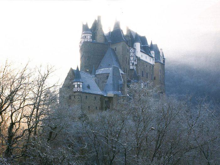 Немецкий замок (700x525, 77Kb)